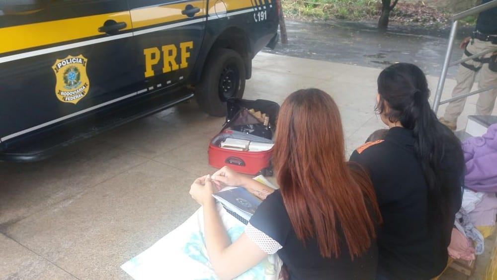 PRF apreende 25 Kg de maconha com duas mulheres na BR-010 no MA