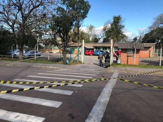 Violência: Adolescente ataca alunos e professora com machadinha no RS