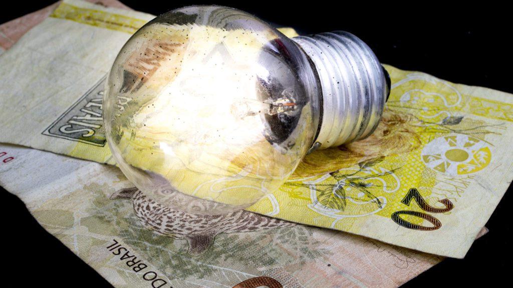Aneel reduz tarifa da conta de energia no Maranhão