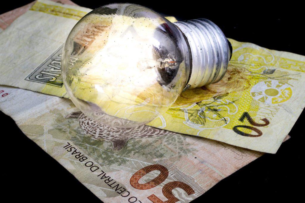 150 mil podem perder benefícios na energia