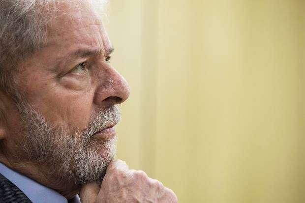 Lula deixa a cadeia após 580 dias preso em Curitiba