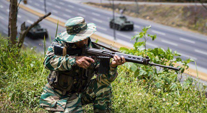 Venezuela faz exercícios militares contra suposta ameaça do Brasil