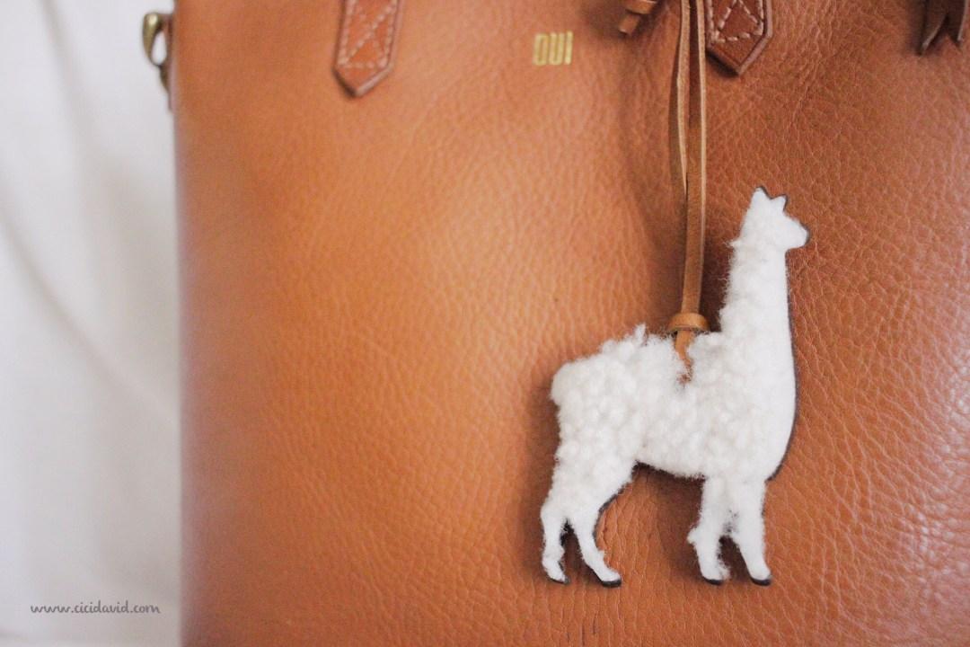 Madewell shearling llama bag tag