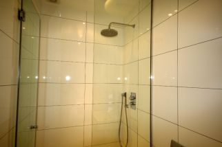 Bespoke Glass shower screen Chelsea