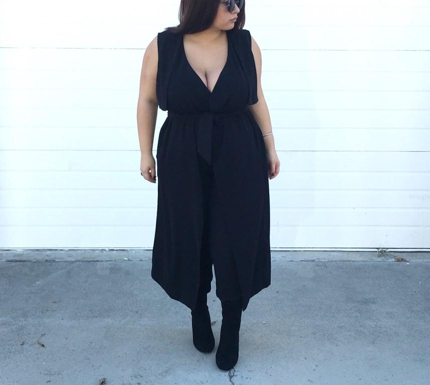 all black outfit, monochrome, monochrome outfit, plus size, plus size fashion, plus size style, vest, trousers, boots, ankle boots, booties