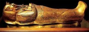 Howard Carter: descubrió la tumba de Tutankamon y murió de viejo.