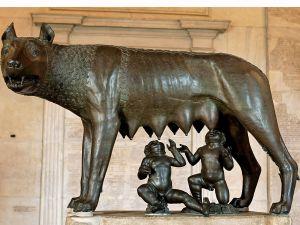 ¿Fueron Rómulo y Remo realmente amamantados por una loba?