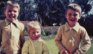 Elon, Tosca y Kimbal Musk