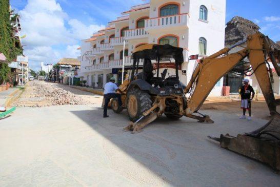 Constatan diputados avances en obras de remodelación de la Quinta Avenida