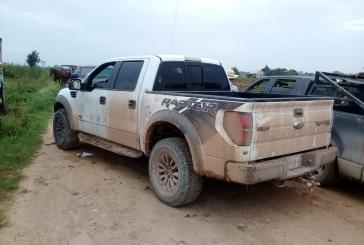 Aseguran camionetas en Bacalar y podrían tener relación los narcóticos incautados en Chetumal