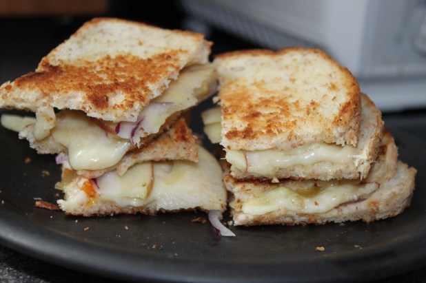 apple white cheddar grilled cheese
