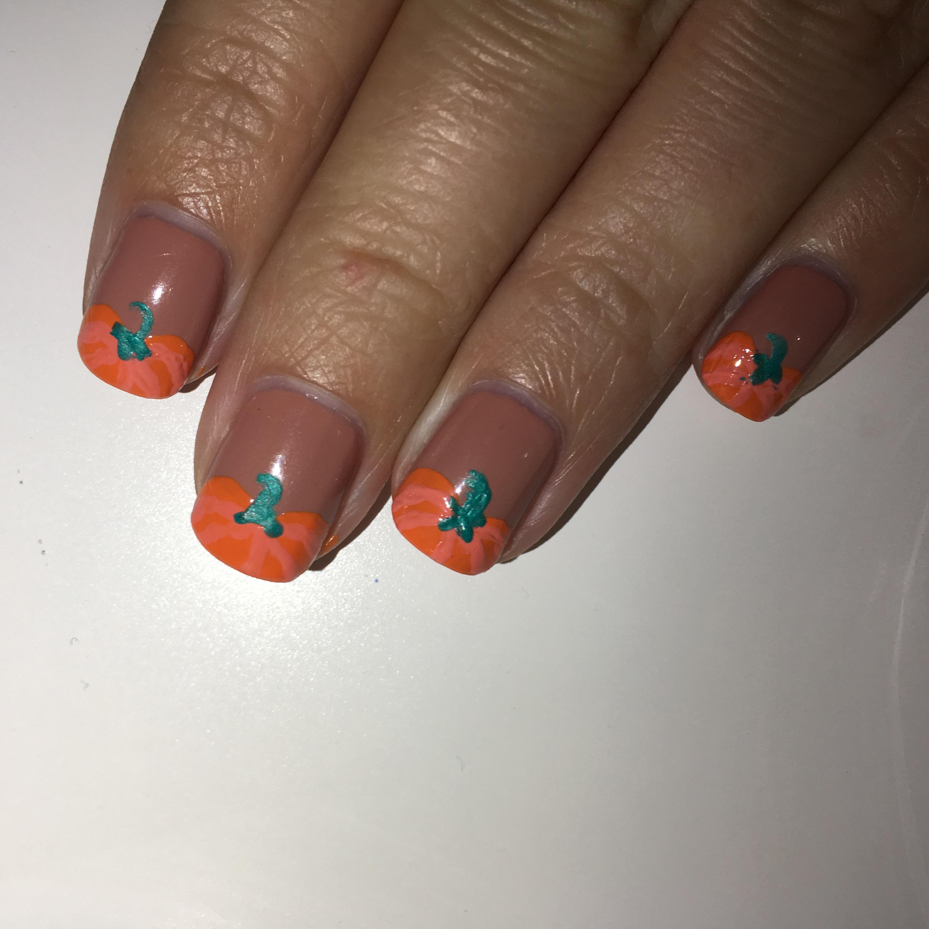 Pumpkin Halloween Nails