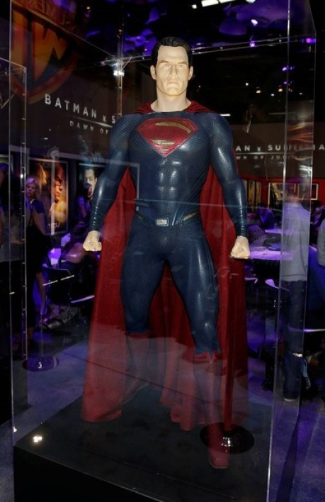 Batman v Superman_batmovil_07