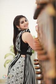 Athulya Ravi (47)