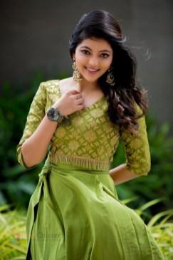 Athulya Ravi (99)