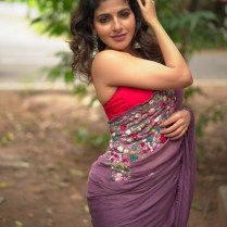 Iswarya Menon (3)