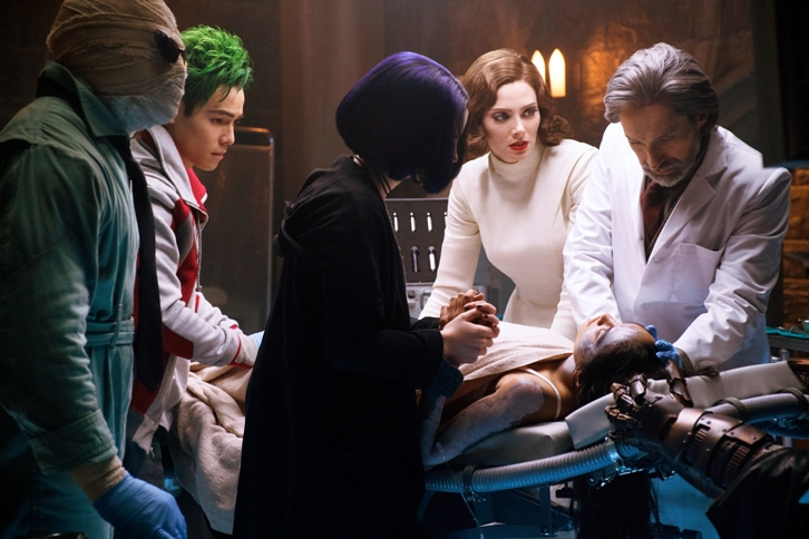 """Résultat de recherche d'images pour """"titans 1x04"""""""