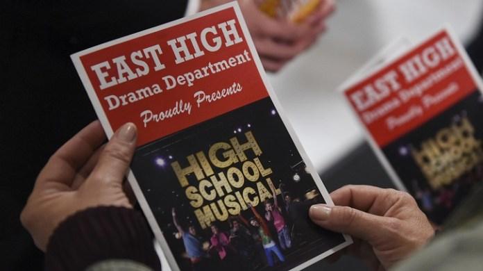 High School Musical 1x09