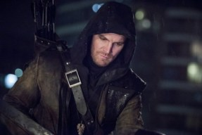 """Arrow -- """"Al Sah-Him"""" -- Image AR321A_0213b -- Pictured: Stephen Amell as Oliver Queen -- Photo: Dean Buscher/The CW -- © 2015 The CW Network, LLC. All Rights Reserved."""