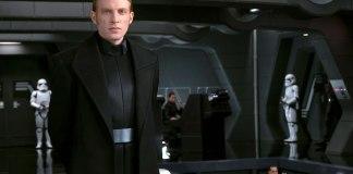 General Hux (Domhnall Gleeson)
