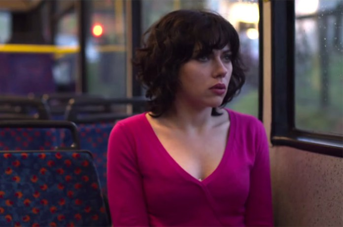 Scarlett Johansson nuda in Under the Skin
