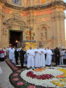 Gozo, esce la processione