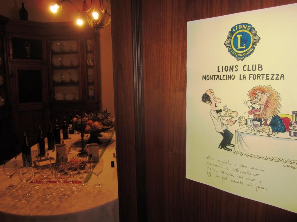 la sala da degustazione con la vignetta di Emilio Giannelli