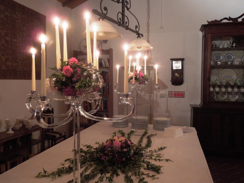Fattoria del Colle-Sala del biliardo - presentazione della fragranza Chergui - Vino Cenerentola