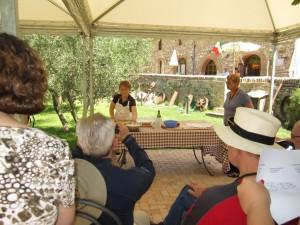 """Patrizia teaches how to make """"Pinci"""" Fattoria del Colle country inn"""