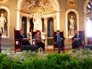 Premio Firenze a Tavola Firenze Palazzo Vecchio con le Donne del vino