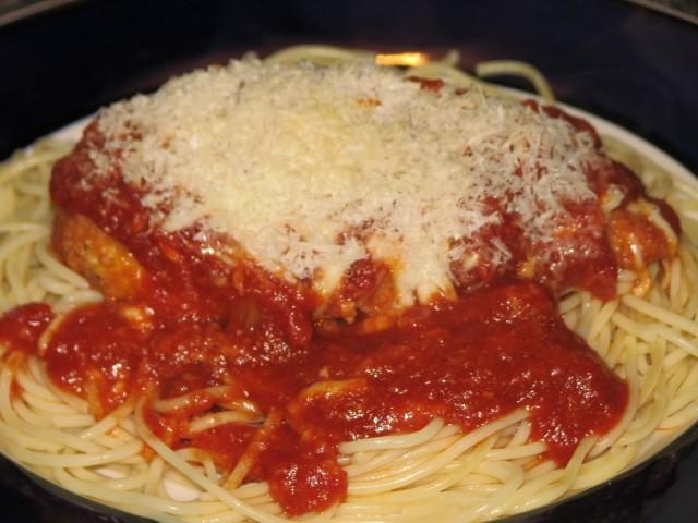cosa mangiano gli italiani all'estero Chiken parmigiana