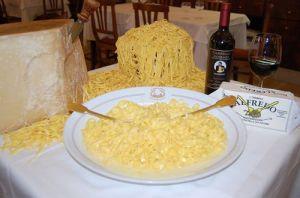 Fettuccine Alfredo molto più conosciuta all'estero che in Italia
