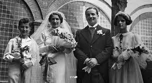 Luigi Socini Guelfi e la moglie Franca con mio padre Fausto Cinelli come paggetto