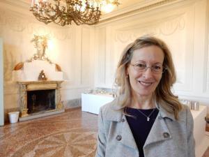 Antonietta Mazzeo organizzatrice del premio Personaggio dell'anno a Gualtiero Marchesi