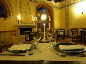 San Valentino-cena-a-lume di-candela-davanti-al-camino-Ristorante-della-Fattoria-del-Colle