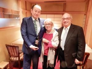 Vero-sommelier-giapponese-La Barrique di Tokyo di Shin Sakata con Donatella CinelliColombini e Carlo Gardini