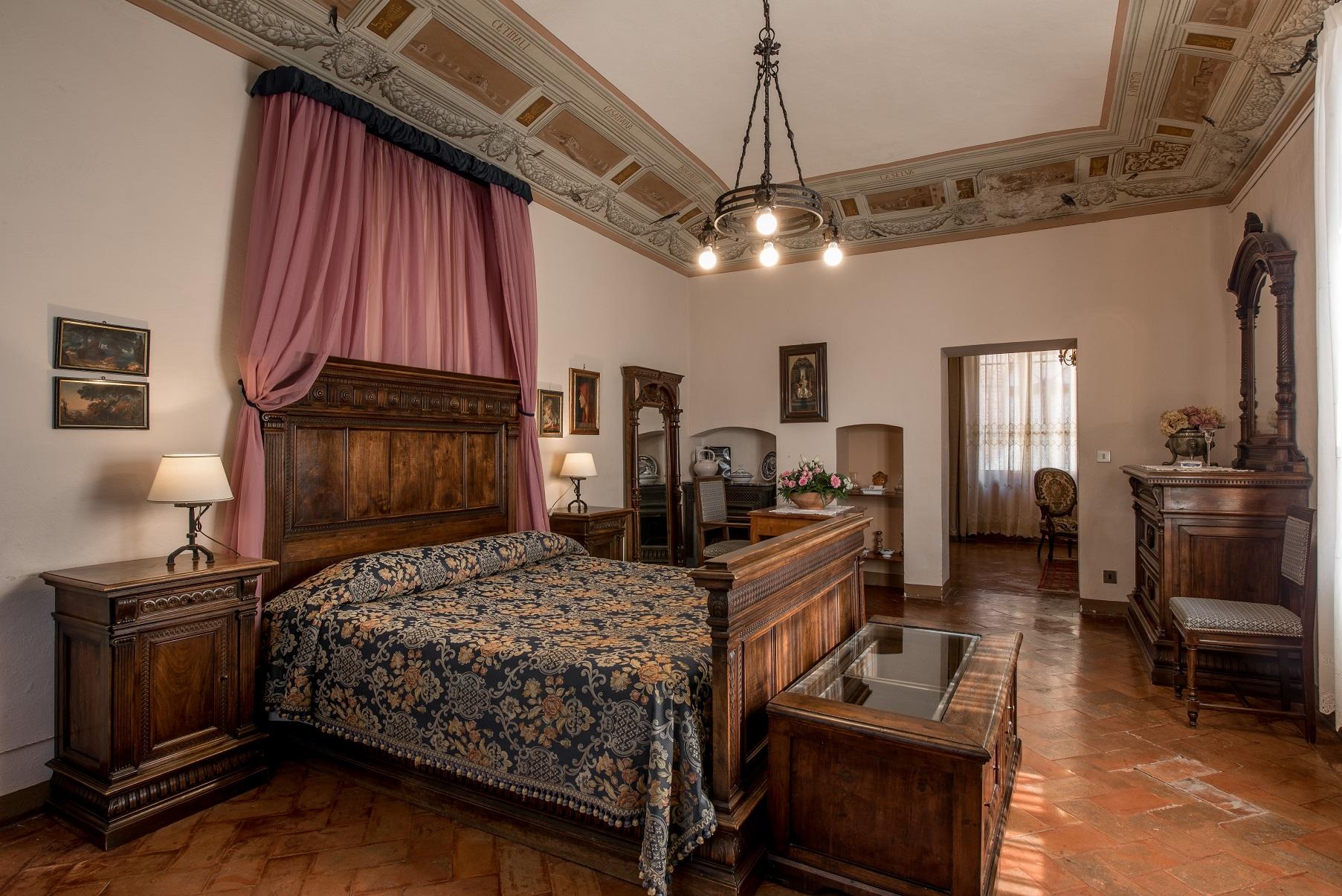 letto-a-baldacchino-Camera-del-Granduca-Fattoria-del-Colle-Toscana