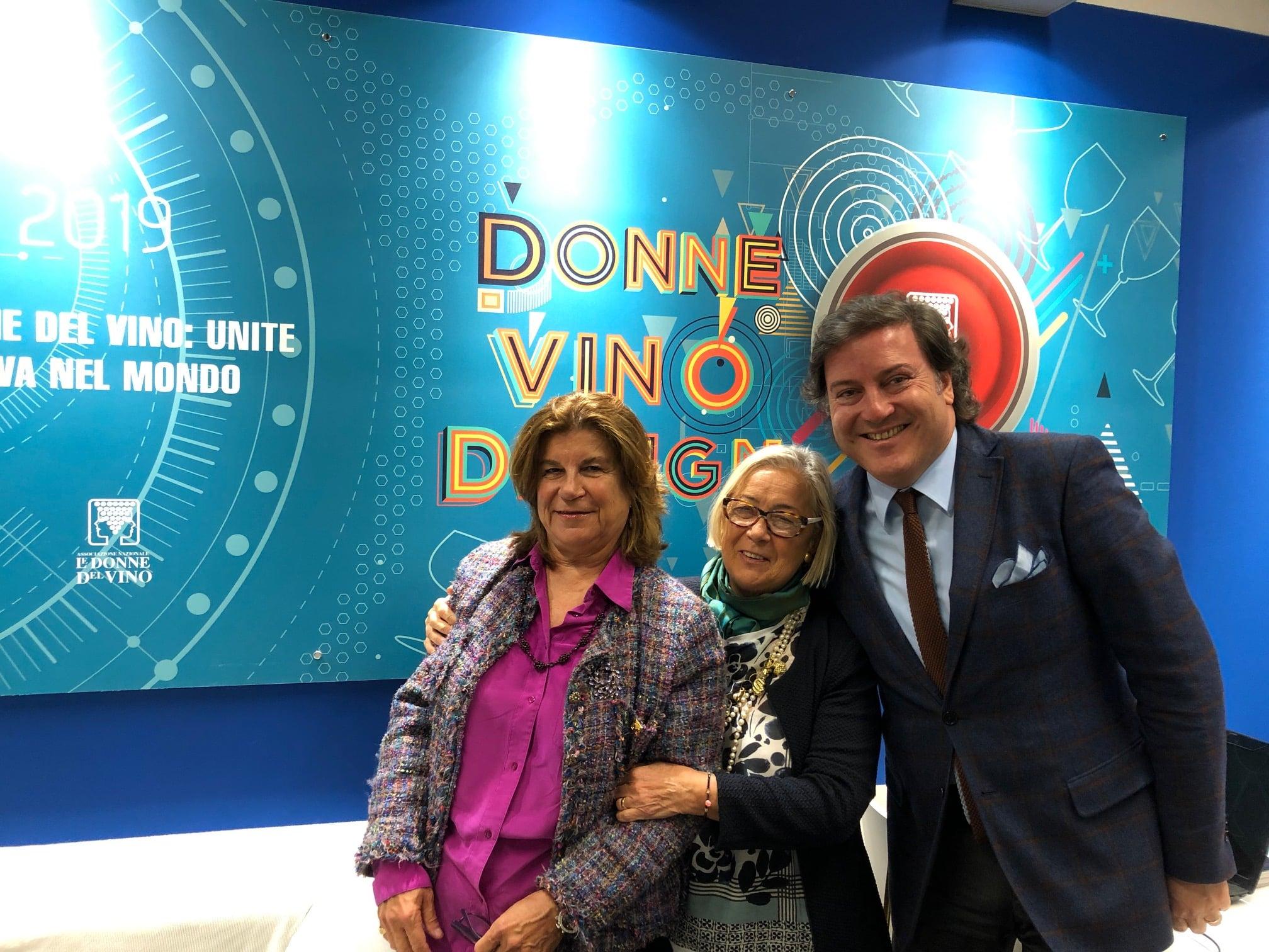 Donne-del-vino-Vinitaly-2019-con-Cristiana-Cirielli-Donatella-CinelliColombini-Carlos-Santos