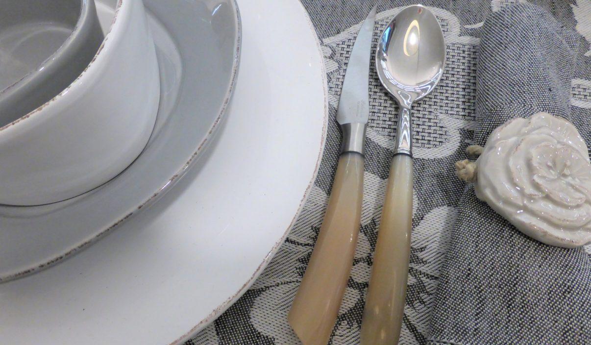 Coltelo-di-Scarperia-con-manico-in-corno-di-bue-ToscanaLovers
