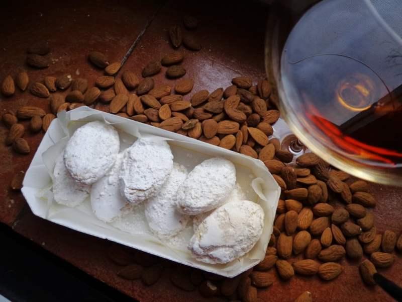 Ricciarelli_mandorle_VinSanto-ricette-di-Siena-Fattoria-del-Colle