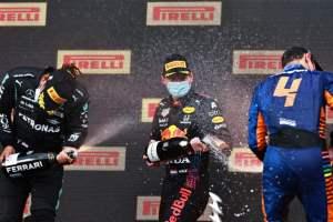 Vino-e-sport-Ferrari-Trento-brinda-con-la Formula-1-i-vincitori-del-Gran-Premio-di-Imola