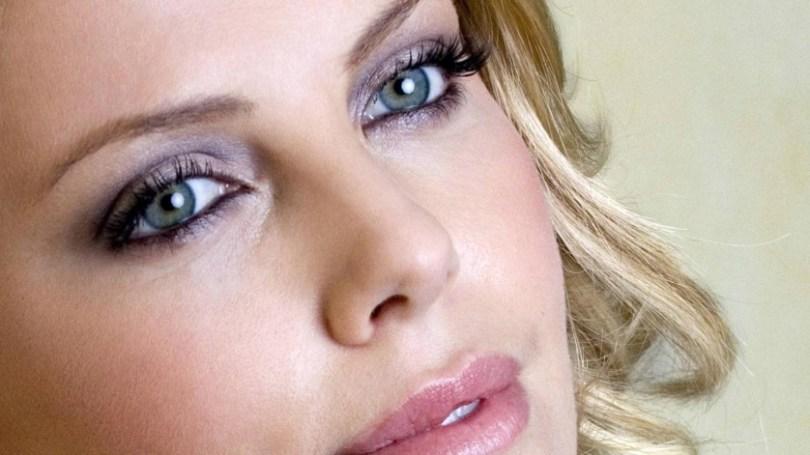 Charlize Theron destaque
