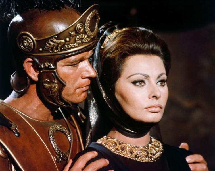 giphy 5 filmes para comemorar o aniversário de Sophia Loren!
