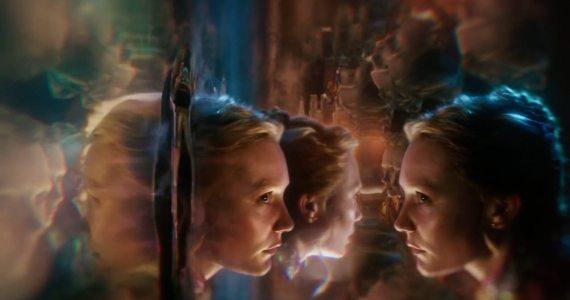 Alicia a través del espejo Mia Wasikowska CinemaNet analisis Tim Burton