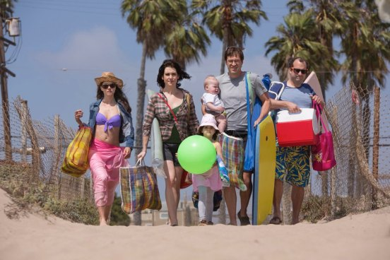 Togetherness-HBO-Premiere-2015-Family-Day-3