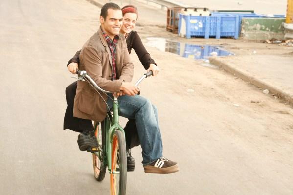 Tarek (Shredi Jabarin) and Keren (Hili Yalon) on Bike