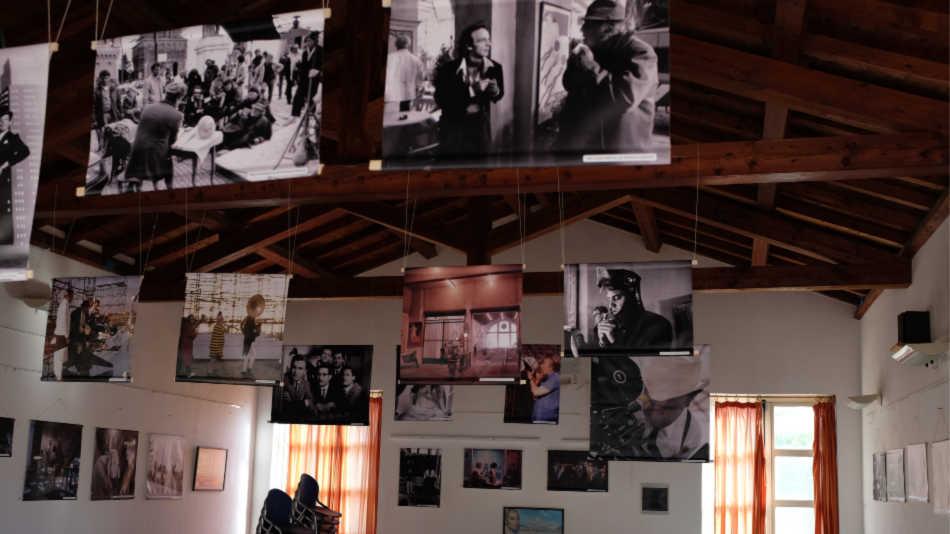 A Porto San Paolo la mostra fotografica dedicata a Federico Fellini
