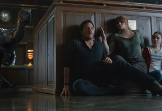 (L-R) Chris Pratt, Bryce Dallas Howard, and Isabella Sermon star in Universal Pictures' JURASSIC WORLD: FALLEN KINGDOM