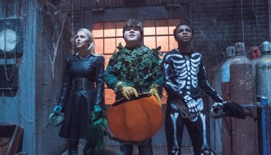 (L-R) Madison Iseman, Jeremy Ray Taylor, and Caleel Harris star in Columbia Pictures' GOOSEBUMPS 2: HAUNTED HALLOWEEN