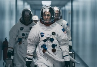 (L-R) Lukas Haas, Ryan Gosling and Corey Stoll star in Universal Pictures' FIRST MAN